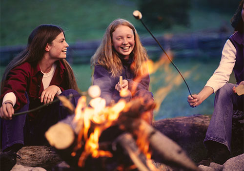 Cozy up to a bonfire this holiday season at Mortimer Farms